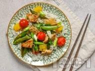 Рецепта Пържено свинско месо със сладко кисел сос с ананас, чери домати и грах и гарнитура с ориз